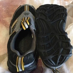 Old Navy Shoes - NWOT OLD NAVY TODDLER BOYS SLIP ONS